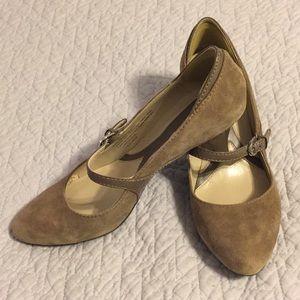 Size 7.5M Naturalizer Heels 👠